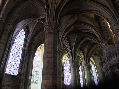 chartres072431.jpg